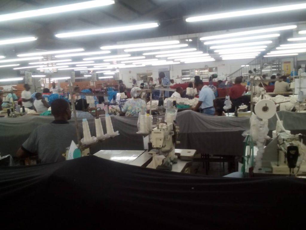 23/5/17 Parada de trabalho dentro Palm Fábrica de Vestuário.
