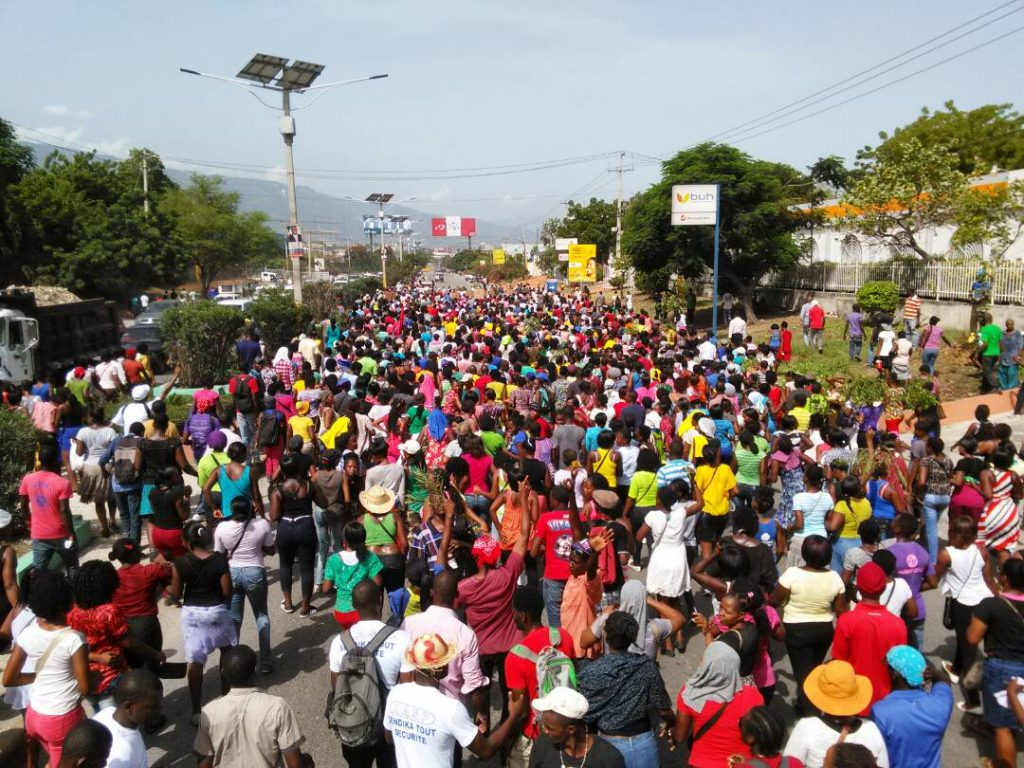 07.11.17 - Port Au Prince - Workers' march.